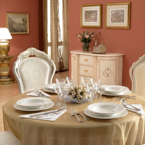 classic-italian-dining-table