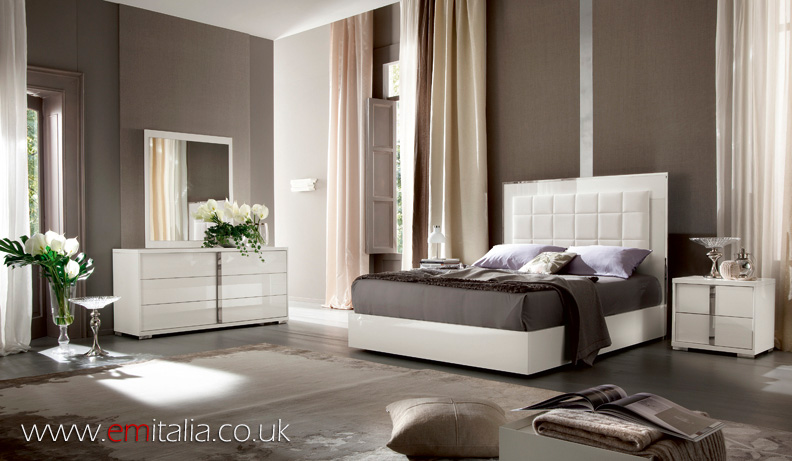 White high gloss bedroom furniture
